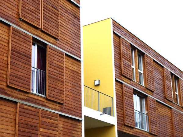 Les Yoles : façades en bois