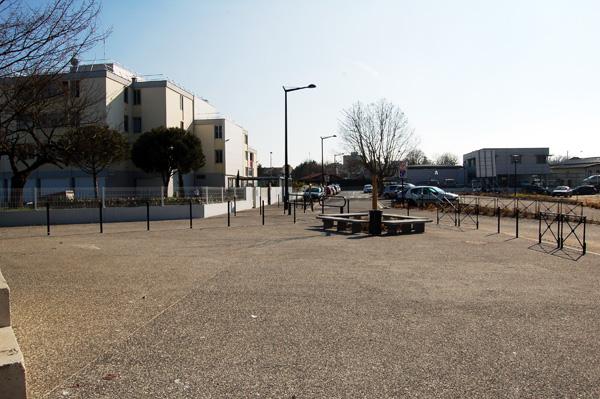 Parvis de l'école Michelet (Cenon)
