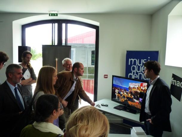 Présentation de la fibre optique à Cenon : la TV en 3D