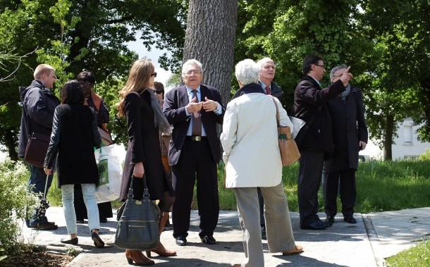 Jean-Pierre Turon, maire de Bassens, et les membres de l'ANRU / Blog Rive Droite