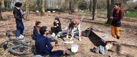 Une partie de l'équipe en pique-nique au Loret à Cenon